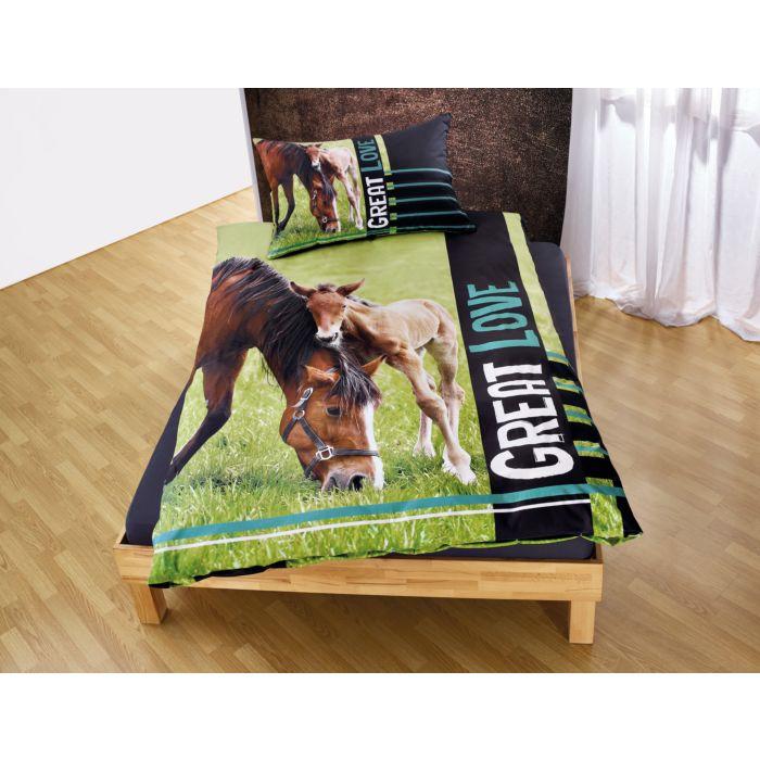 Bettwäsche mit braunem Pferd und Fohlen
