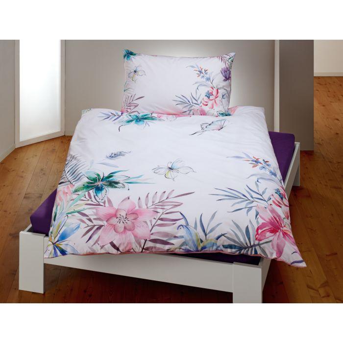 Bettwäsche weiss mit Schmetterlingen und Blumen in zarten Farben