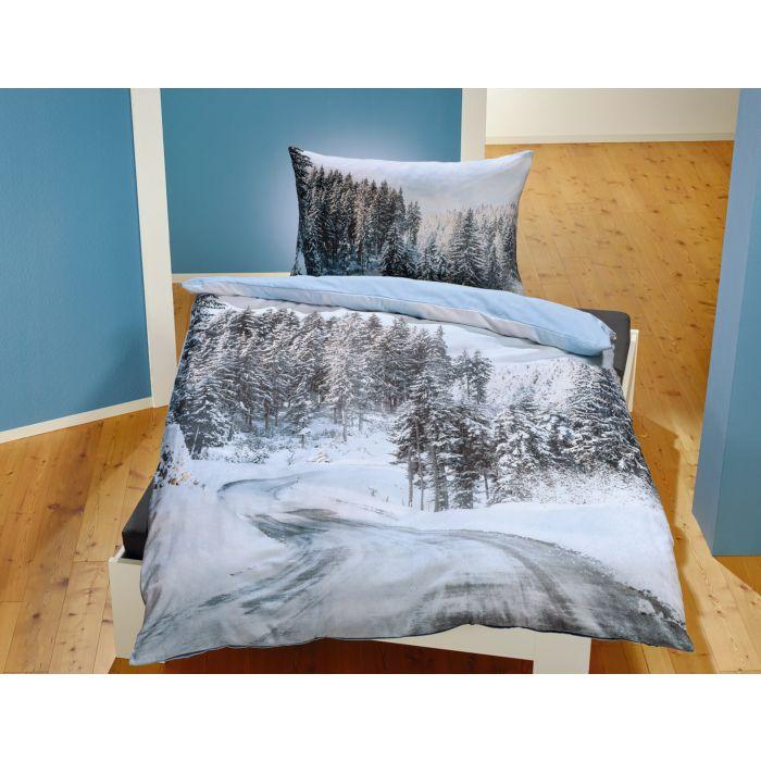 Bettwäsche mit verschneiter Strasse und Schneelandschaft