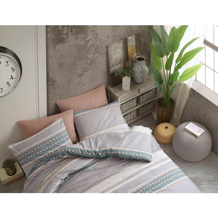 Bettwäsche mit unterschiedlicher Bemusterung in dezenten Farbtönen