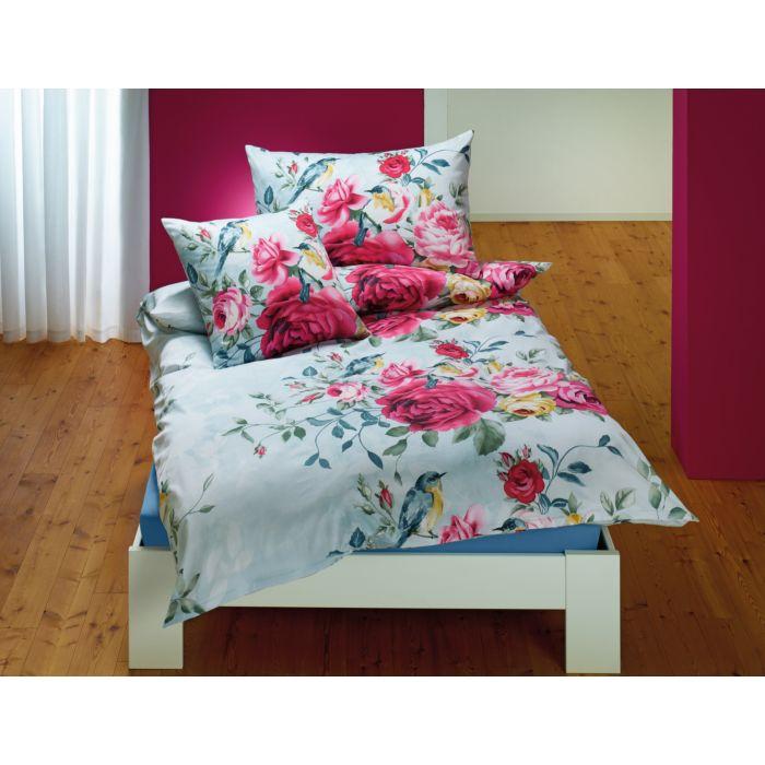 Bettwäsche mit buntem Blumenmuster mit Rosen und Vögel