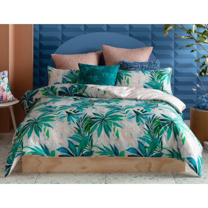 KAS Bettwäsche mit Blätterprint in den Farbtönen Grün und Zartrosa aus Baumwolle